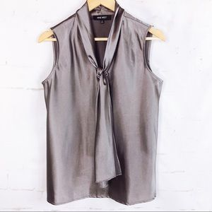 Nine West Woman's Grey Sleeveless Blouse Size Med